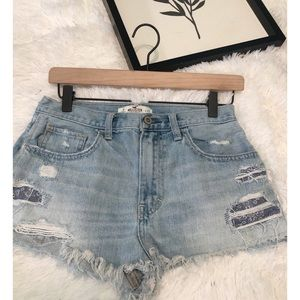 Hollister distructed jean shorts Size 5